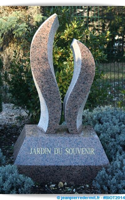 Cr ation du jardin du souvenir au cimetiere de la rine 2 for Au jardin de jean pierre inc